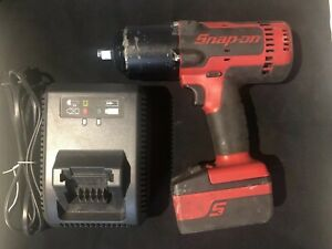 Snap on Ct8850 18 V 1 2 Drive Lithium Impact Wrench Battery And Charger