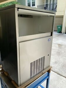 Manitowoc Rf 0399 Air Cooled Under Counter Flake Ice Maker Machine New