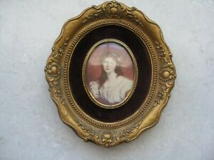 Older Vintage To Antique Lady Wall Picture Frame Beautiful