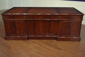 Leighton Hall Large Traditional Mahogany Office Executive Desk 84 In