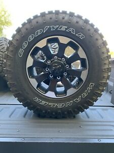 2018 Power Wagon 17 Inch Rims With 33 Inch Tires