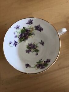Stanley Fine Bone China Teacup W Purple Violets And Vines