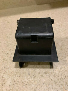 1999 2004 Ford Ranger Middle Console Hinge Used