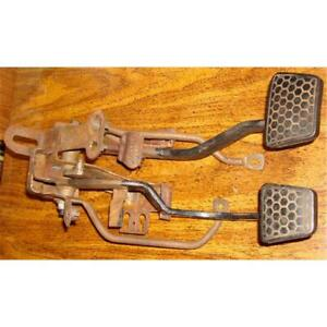 1984 To 1989 Camaro Clutch And Brake Pedal Unit