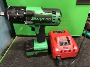 Snap On Cordless Impact Wrench Ct8850g 1 2 Drive battery charger