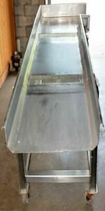 Dewatering Shaker Conveyor On Wheels Stainless Vibrating St001