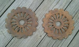 2 International Harvester Planter Plates 3613a