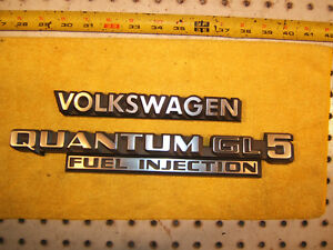 Vw 1985 Quantum Gl 5 Fuel Inj Rear Deck Lid Silver Black Plastic 1 2 Emblems
