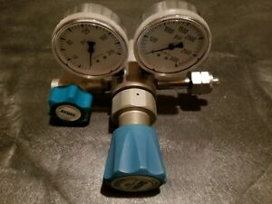 Airgas Y12 n145d Brass High purity 2 stage Regulator excellent Condition