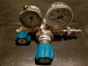 Airgas Y14 c445d Stainless High purity 2 stage Regulator excellent Condition