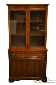 1960 S Duncan Phyfe Mahogany 34 Petite Display China Cabinet