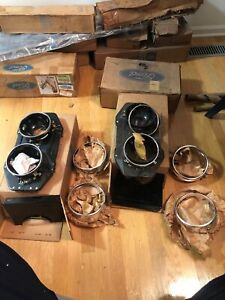 Nos 1968 Ford Torino Headlamp Bucket Assembly Lh Rh With Bezels