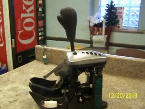 2003 2004 2005 Saturn Vue Automatic Transmission Floor Shifter Assembly