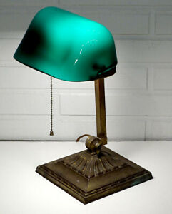 Arts Crafts Emeralite Antique Green Glass Shade Bankers Desk Table Student Lamp