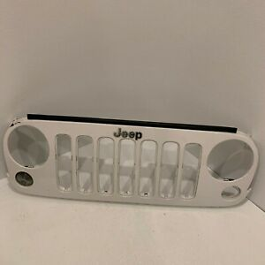 2007 2008 2009 2012 2011 2013 2015 2016 2017 Jeep Wrangler Front Grille 5nb84trm