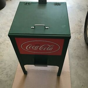 Glascock Jr. Coca Cola Ice Chest Cooler Green And Red w/ bottle opener