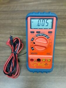 Wavetek Meterman 35xl Multimeter With Test Leads And Case Mint Conditions
