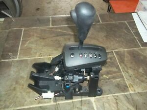 2003 2005 Saturn Vue Automatic Transmission Floor Gear Shift Shifter Assembly