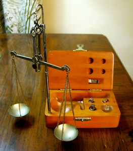 Old Pocket Jewelers Gold Pharmacist Balance Scale W Wood Case Counter Weights