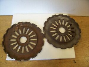 2 Vintage Cast Iron Ih Planter Plates 621833 3547a International Harvester