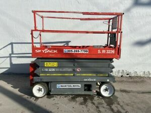 2013 Skyjack Sjiii3226 Electric Scissor Lift
