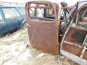 1936 1937 1938 Chevrolet Right Side Pickup Truck Door Top Rusted Ship Bus