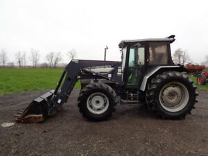 1994 White 6085 Tractor Cab heat air 4wd Buhler allied 695 Loader 85hp