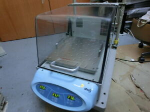 Thermo Scientific Maxq 4450 Shaking Incubator Benchtop Shaker 240vac used 6526