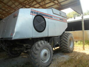 Gleaner R62 Combine 4wd Sn 66100 l Separator Hours 2384