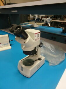 National Microscope On Led Stand W 2 W10x 20 Eyepieces