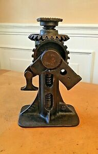 Vintage Steel Auto Screw Type 8 Car Jack 16 Lift Range
