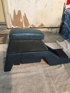 84 85 86 87 88 89 Toyota Pickup 4runner Blue Center Console With Armrest