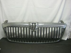 2005 2006 Lincoln Navigator Oem Front Grille Grill Chrome With Gray