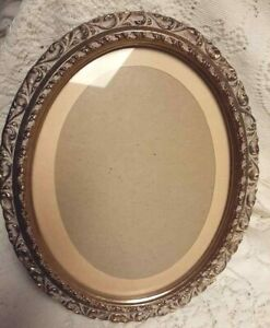 Antique Vintage Gold Wood Oval Photo Art Frame 12 Tall Onate