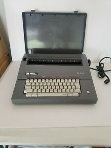 Tfh Smith Corona Electric Typewriter Sl460 Model 5a With Hard Cover And Manual