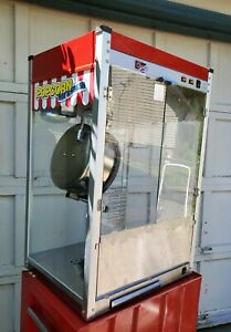 Paragon Classic Theater Pop 14 Commercial Popcorn Machine Super Nice