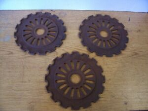3 Vintage Cast Iron Ih Planter Plates 3042a International Harvester Lot E