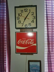Vintage Coca Cola Clock Antique.  IN GOOD SHAPE