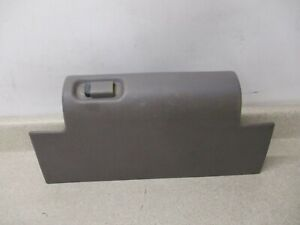 95 To 00 Chevy Gmc C1500 K1500 Dash Glove Box Compartment Oem 15024966