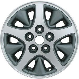 Oem Used 15x6 5 Alloy Wheel Med Silver Sparkle Painted With Machined Face 2071