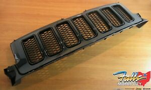 2013 Jeep Grand Cherokee Gloss Black Radiator Grille Replacement New Mopar Oem