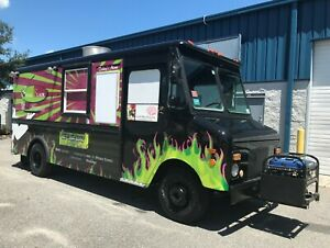 Food Truck 1981 Chevy P30 Gruman Step Van Black Fully Equipped Kitchen