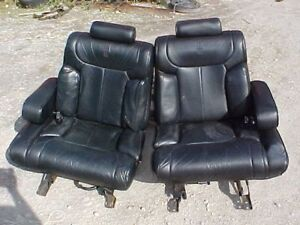 1990 Lincoln Town Car Front And Back Black Leather Seats