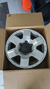 17 Toyota Fj Cruiser Stock Oem Silver Wheels