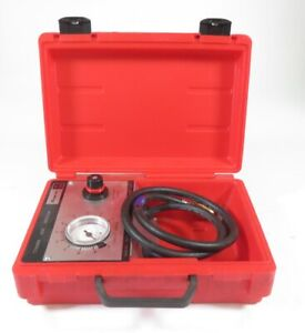 Snap On Tools Mt324 Cylinder Leak Down Tester With Protective Carrying Case