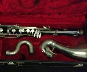 VITO RESO-TONE BASS Clarinet. Case Is Old Sold As Is. Will Need Pads Sold As Is