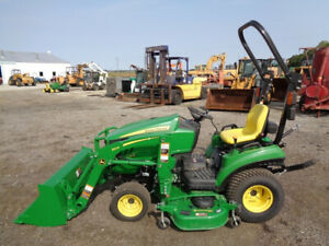 2019 John Deere 1023e Tractor 4wd Hydro Jd 120r Loader Only 42 Hours