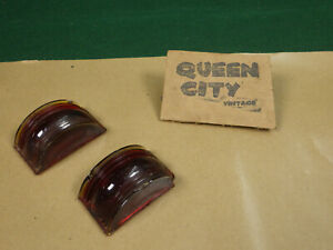Pair Of Vintage Glass Truck Clearance Marker Lights Barel Shaped Do Ray
