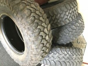 285 70r X 17 Bfg Mud Terrain Km Tires Set Of Five Used In Good Condition
