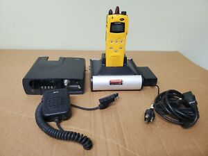 Harris M a Com P7100ip Uhf Two Way Radio Ht71508u1x Battery Mic Chargers